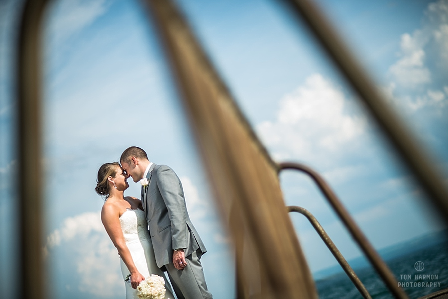wedding couple at Skaneateles Lake