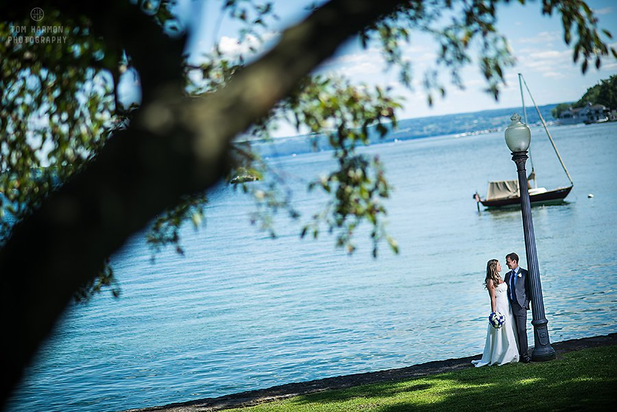 wedding pictures at skaneateles lake