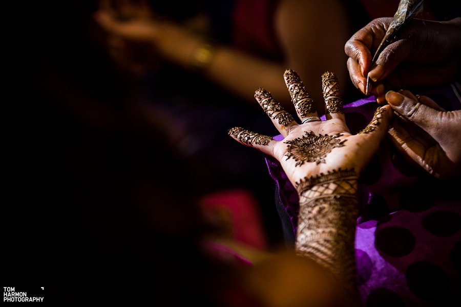 henna on indian bride