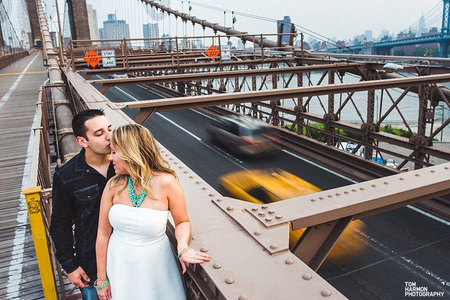 engagement on brooklyn bridge