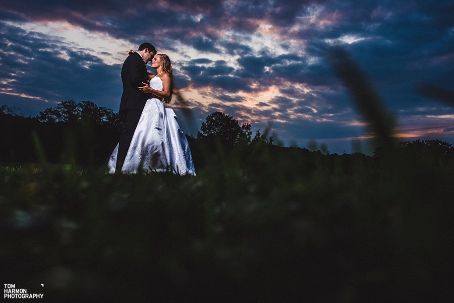 wedding at the hayloft on the arch